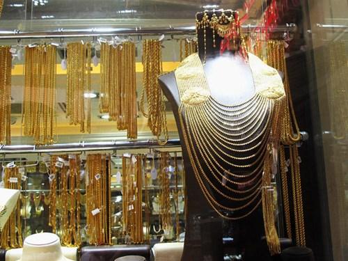 Chợ vàng Gold Souk  có nhiều mẫu mã đa dạng.